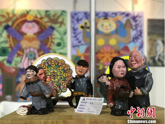 """长春民博会涌现""""新势力"""":青年学生带来新的审美理念"""