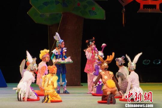 少儿版《马兰花》绽放舞台戏剧教育香飘海内外