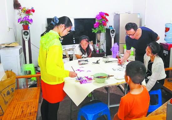 简阳市:民宿经济助脱贫 乡村美景入画图