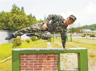 上等兵胡一凡:一个士兵的平凡世界