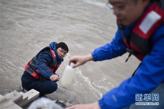 """(热点鲜报・图文互动)(1)""""不尽长江滚滚来"""" 长江江源之水有啥不一样?"""