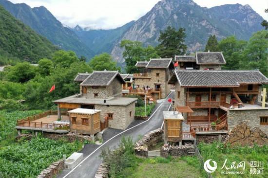 """晋国神社 """"过去村里很闭塞"""
