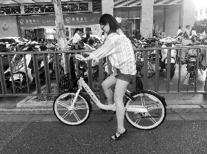 南京街頭共享單車換新市民騎半小時需1.5元