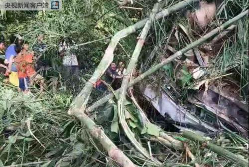 中国旅行团在老挝发生车祸 游客系散客拼团从常州出发