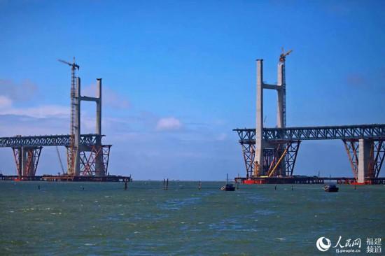 正在建设中的鼓屿门斜拉桥将于9月合拢 丁波摄