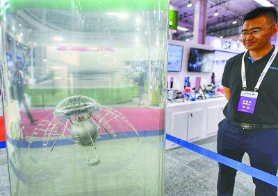 世界机器人大会:机器人代替人类精准作业