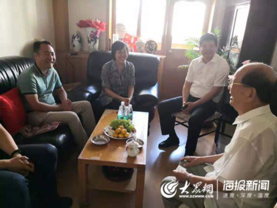山东驻京办拜访93岁老院士 服务住鲁院士工作成效获赞