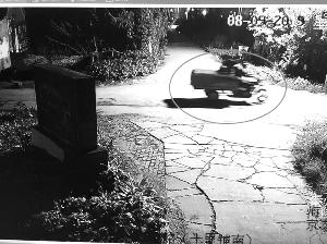 泰州员工在老板车上装GPS 人一走整箱偷茅台