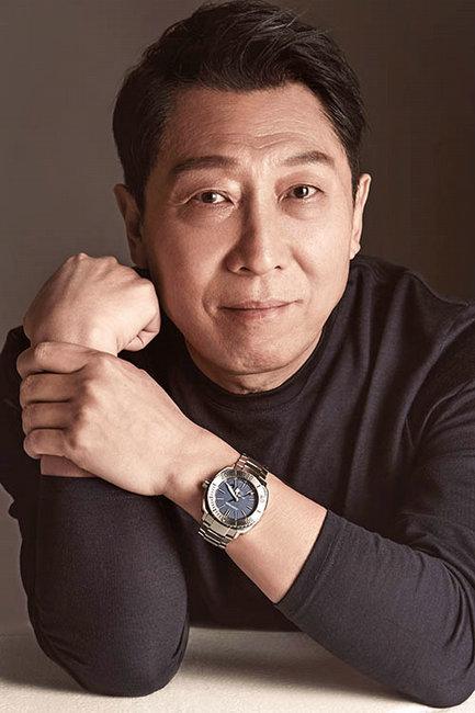 《小崗新傳》獲五個一工程獎韓童生獻禮70周年