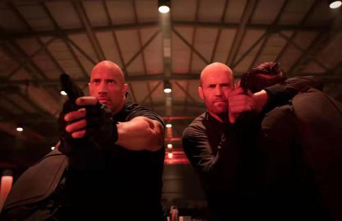 速度与激情8上映,媒体观影场现场感受命悬一线的紧张与疯狂