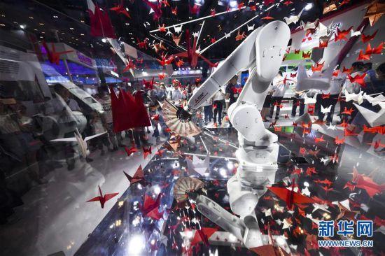 (经济)(12)2019中国国际智能产业博览会开幕
