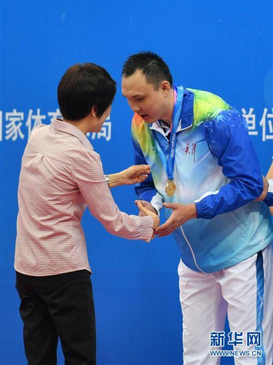 (体育)(5)游泳——残运会:杨博尊获正式开幕后首枚金牌