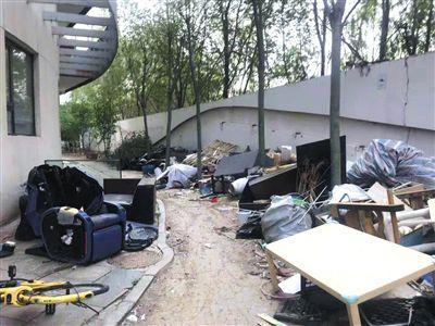 今日新闻消息:维多莉亚花园小区常断电居民住酒店