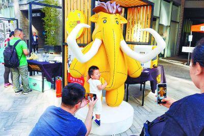 红运坊潮牌文化街市集开启 北京二十二院街将成网红街