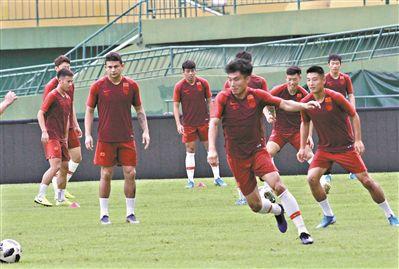 国足热身7球胜恒大预备队武磊大演帽子戏法