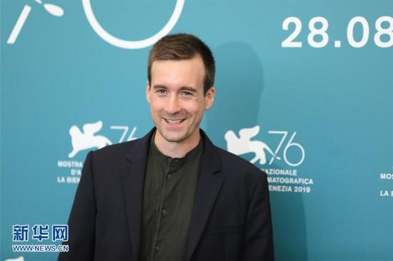 (国际)(1)电影《世界的胜利》主创亮相威尼斯电影节