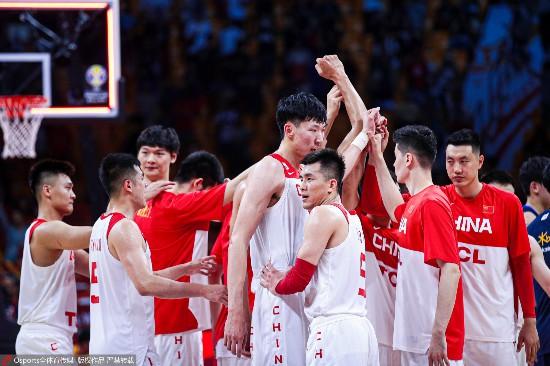 中国男篮打出气势周琦砍下两双荣膺全场最佳yoohoo中韩歌词