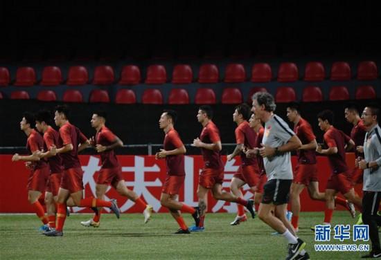 (体育)(8)足球――国足马尔代夫进行首次训练