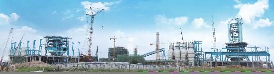 广西钢铁集团1#高炉本体顺利封顶