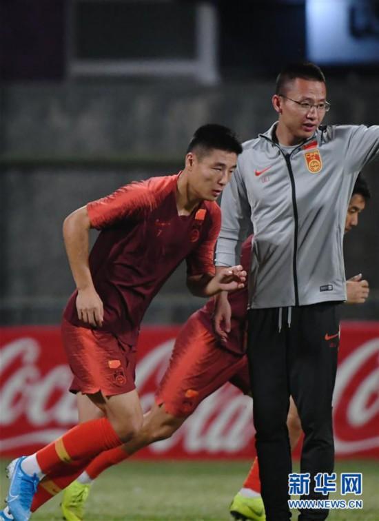 (体育)(6)足球――国足马尔代夫进行首次训练