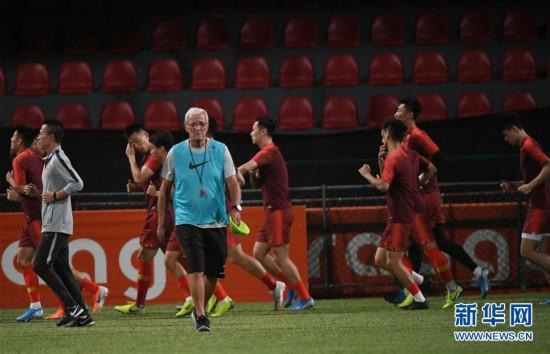 (体育)(7)足球――国足马尔代夫进行首次训练