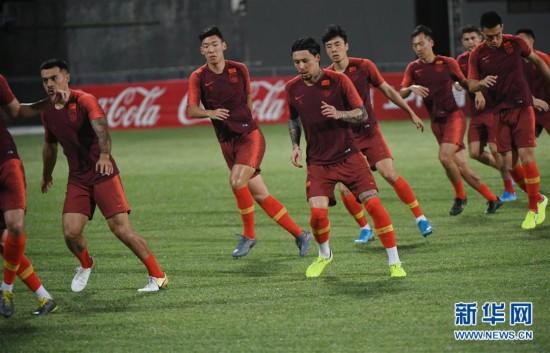 (体育)(12)足球――国足马尔代夫进行首次训练