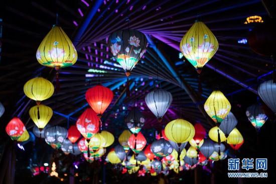 (社会)(1)澳门举办国际花灯节