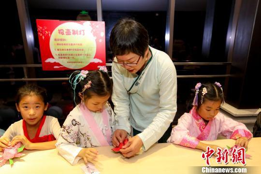 """琴""""诗""""合鸣、放荷花灯……广州博物馆打造旅游夜间模式"""