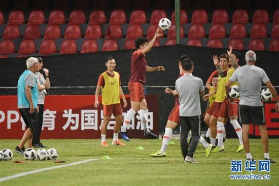 (体育)(1)足球――国足在马尔代夫进行第二次赛前训练