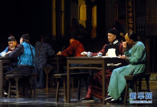 (灿艳70年·奋斗新时代——共和国长年夜成就巡礼)(1)人平易近是活水根源——新中国现实题材文艺创作巡礼
