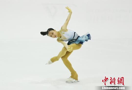 作为中国花样滑冰传统三大赛事之一,加之又是全国冬季运动会的积分赛,本届锦标赛有众多中国名将亮相。 张瑶 摄