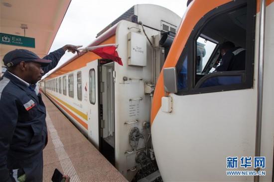(国际)(2)中企承建的肯尼亚内马铁路进行联调联试