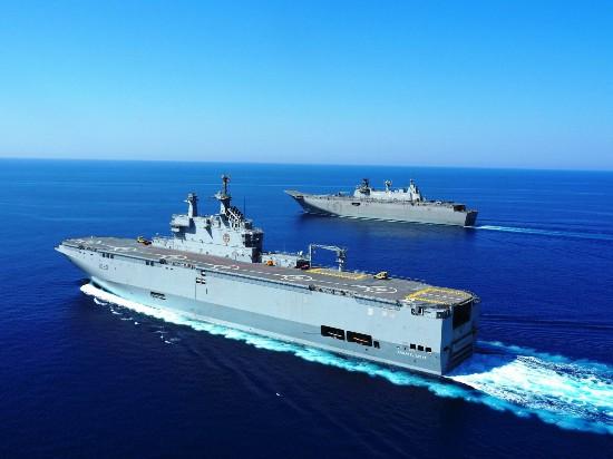 """俄媒:俄明年将开工建造两艘""""直升机航母"""""""