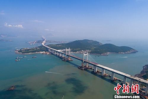 世界最长跨海公铁两用大桥9月底贯通 明年通车