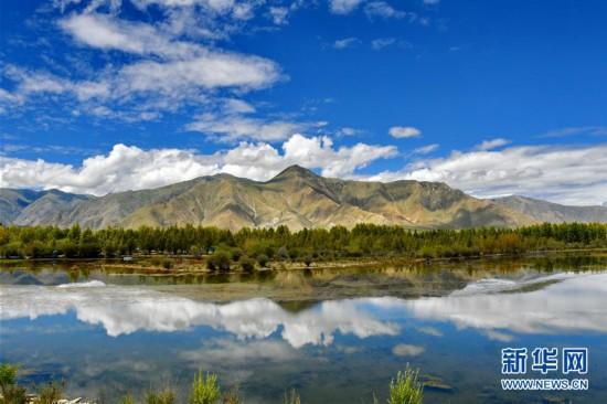 (美丽中国)(5)拉萨:金色池塘秋色美