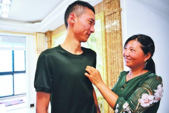 中秋奔赴新疆军营 21岁肥东小伙第二次参军报效祖国