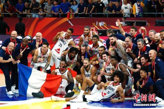[滚动]法国男篮67:59逆转战胜澳大利亚队再获世界杯铜牌