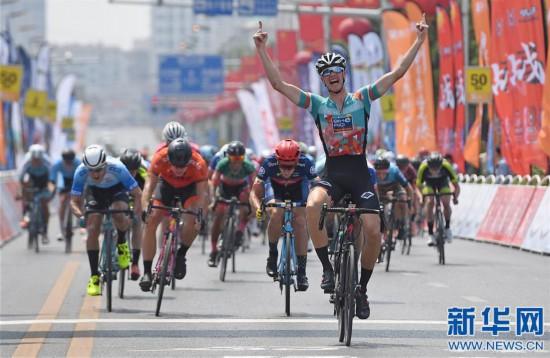 (体育)(1)自行车――抓取快三开奖数据,第十届环鄱阳湖国际自行车赛第二赛段赛况