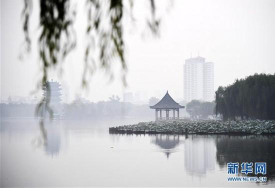 """(环境)(2)""""水墨""""大明湖"""
