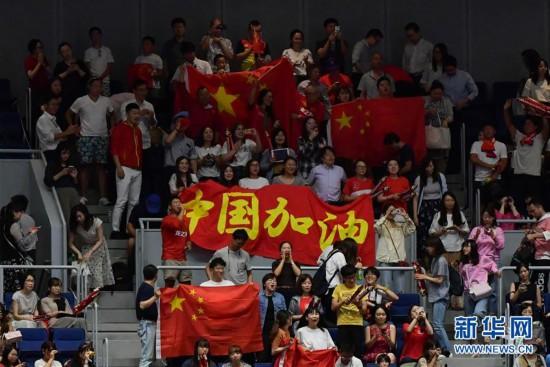 (体育)(13)排球――女排世界杯:中国队胜日本队