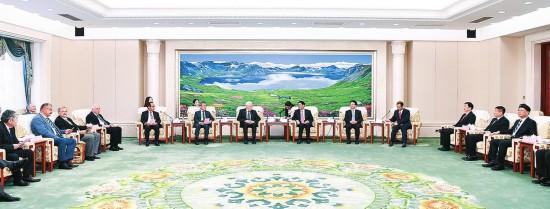巴音朝鲁景俊海访问参与国际产学研用互助会议集会会议主要贵宾