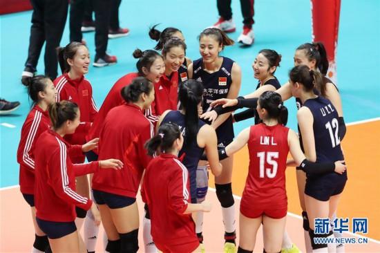 (体育)(4)排球――女排世界杯:中国队战胜肯尼亚队