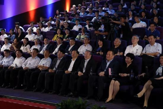 央视4K超高清信号首入院线同步直播新中国70周年盛典