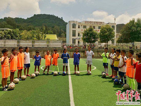 一所西南山区村小的足球教育试验