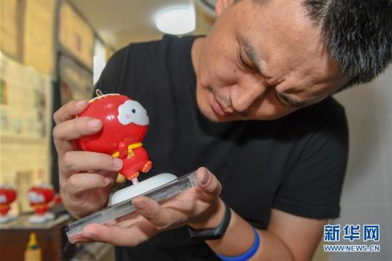 """(体育)(5)探访北京2022年冬残奥会吉祥物""""雪容融""""设计团队"""