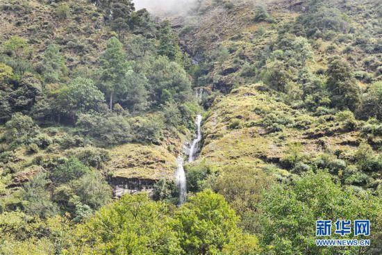 (美丽中国)(1)山水秘境勒布沟
