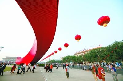 大红灯笼用上航天技术 悬浮空中纹丝不动