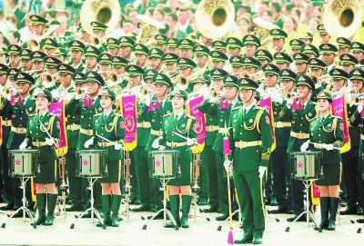 联合军乐团奏响最强音 一气呵成演奏4小时56首乐曲