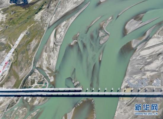 (美丽中国)(2)西藏:空中的美景长廊