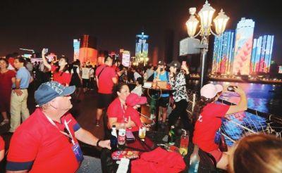 国庆长假1159万外地客游武汉 看灯光秀品美食
